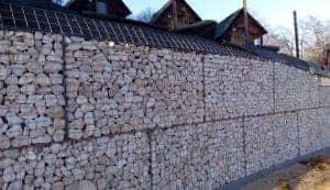 recinzione in pietra